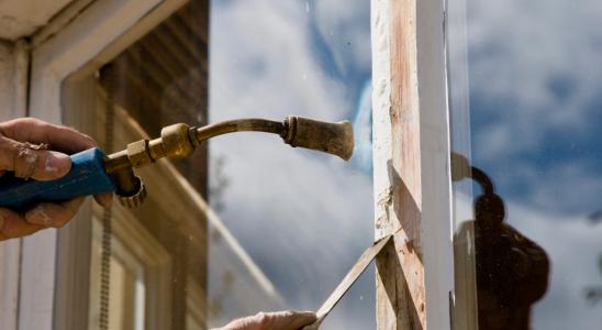 6 façons d'enlever la peinture extérieure